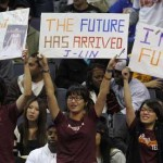 Jeremy Lin fans with signs